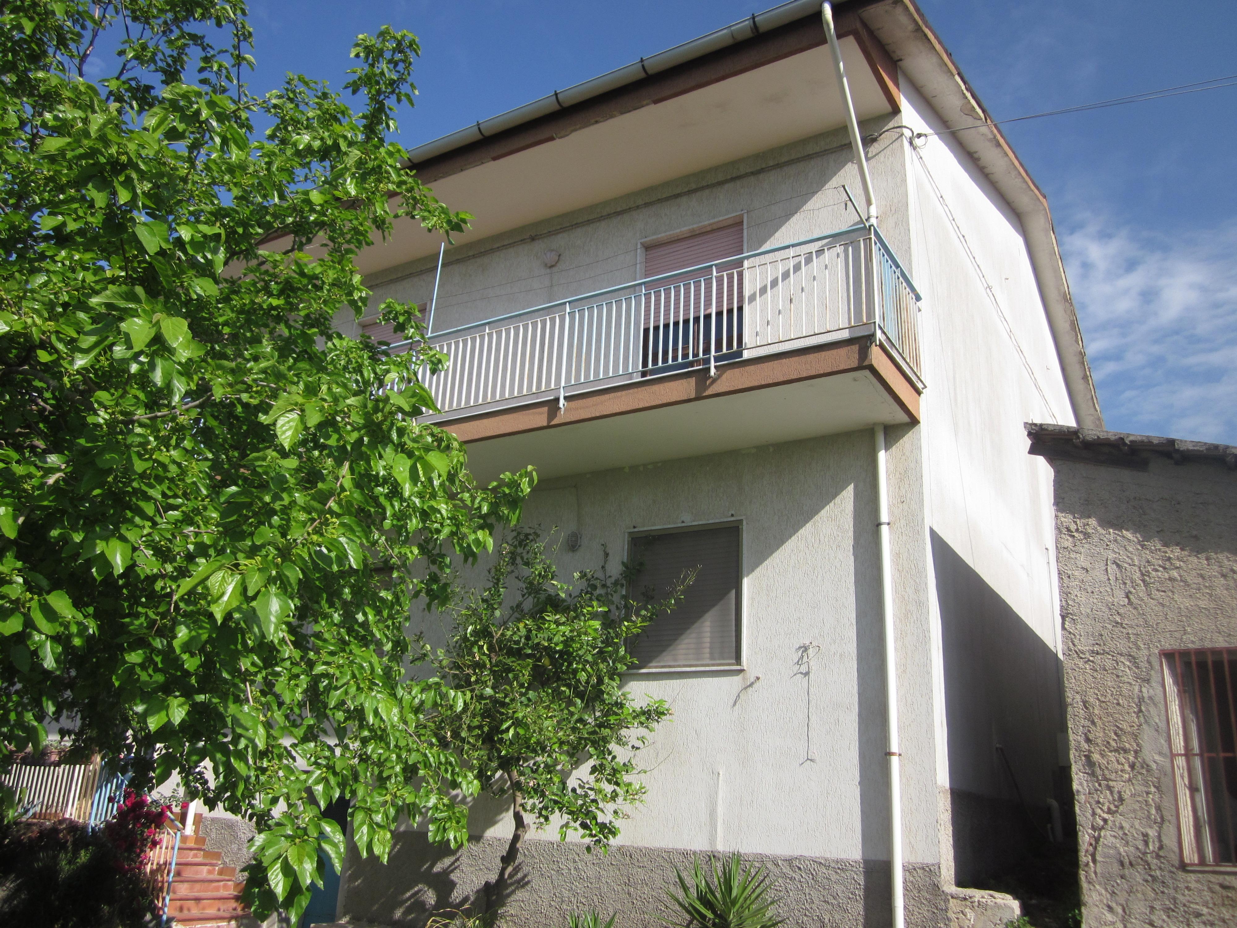 Due mini appartamenti sottotetto e deposito for Piano di deposito